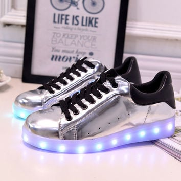 Stylish Lightning Low-cut Flat LED Noctilucent Shoes [4964955844]