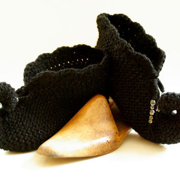 knitted slippers, pixie slippers, elfin slippers, jester, genie slippers, adult size slippers, Winter fashion, UK seller