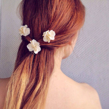 Ivory hair pins, ivory hair accessories, ivory hair, ivory hair flower, ivory hair flowers, ivory flowers for hair, wedding hair flowers