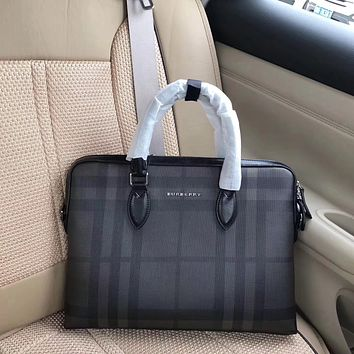 BURBERRY MEN LEATHER BRIEFCASE BAG