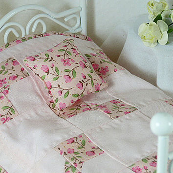 Pastel Pink Rose Bed Quilt Dollhouse Quilt Inch Scale Small Quilt Matching Decorator Pillow Cottage Chic Shabby Chic Bedroom Set Single Twin