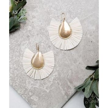 Cream Stop and Stare Earrings