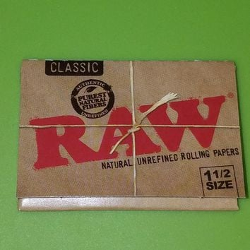 Raw classic 1 1/2 papers