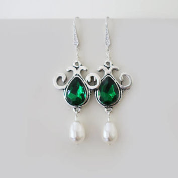 Emerald Earrings Green Bridal Earrings Emerald and Pearl Earrings Bridesmaid Jewelry Emerald Fern Clover Dark Green Wedding Jewelry Vintage