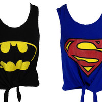 SUPERHERO PRINT TIE FRONT CROP TOP