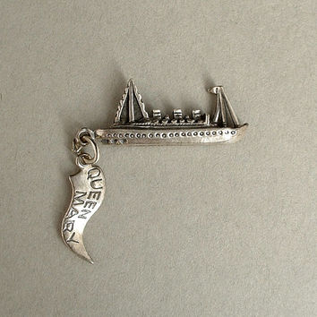 Vintage Sterling Silver Bracelet CHARM Pendant QUEEN MARY Ocean Liner Cruise Ship Boat c.1960's