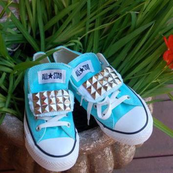 CREYUG7 Tiffany Blue Studded Converse - Low Top Chucks