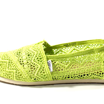 Toms Women's Classics Neon Lime Crochet Casual Shoes