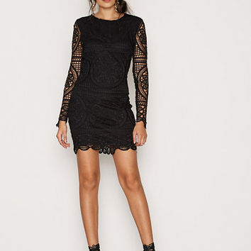 Famous Crochet Dress, NLY Trend
