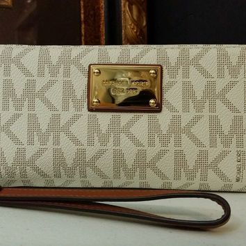 NWT Michael Kors Jet Set Travel Continental Wallet/Wristlet Vanilla