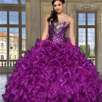 The Meaningful Dress - Beautiful Quinceañera Dress ( quinceanera )