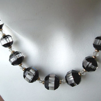 Vintage Art Deco Crystal Bead Necklace,Black Crystal Bead Necklace,Black White Necklace,Art Deco Beads,Unusual Necklace,Two Tone Necklace