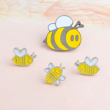Trendy Cartoon Insect Bee Brooch Animal Honey bee Enamel Pin Buckle Denim jacket Shirt Collar Lapel Pins Badge Jewelry Gift for Kids AT_94_13