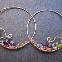 Cleopatra 97 Hammered hoops with peridot by CalicoJunoJewelry
