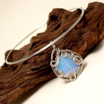 BABAZEN - Handmade Wire Wrapped Moonstone Pendant Necklace