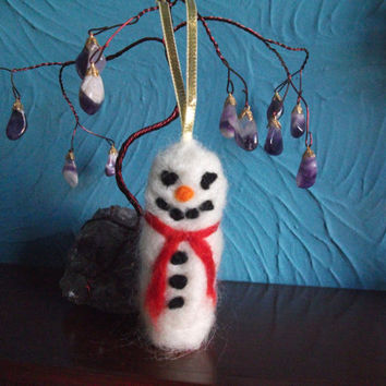 Needle Felted Snowman Bird, Needle Felted Sculpture, Hanging Decoration, Christmas Tree Ornament.