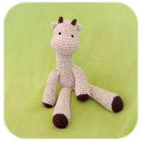 crochet giraffe in speckled creme by HenryStMartin on Etsy