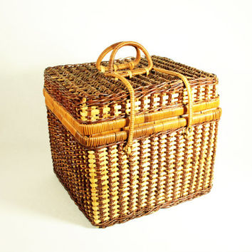 Vintage Woven Wicker Lined Picnic Basket
