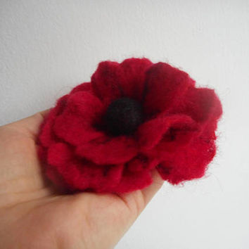 Poppy Felt flower,red black felt flower brooches,felt brooch flower,red jewelry,wool accessories,hairclip brooch pin,gift for her,Christmas