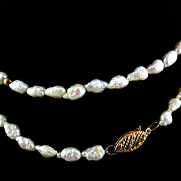 Vintage Freshwater Pearl Necklace 14k Yellow Gold Accent Beads and Clasp Nice Length 24 Inches Very Good Condition Very Giftworthy