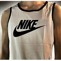 NIKE sells fashionable running jerky vests N-AG-CLWM