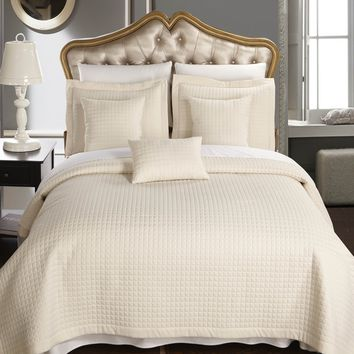 Luxury Checkered Quilted Wrinkle Free Coverlet set