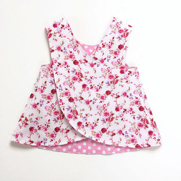 Reversible pinafore baby girl summer dress. Polka dots and roses cotton fabric. Baby girls 6 - 12 months. Cute dress Romantic flowers pinnie