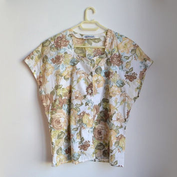 Vintage Floral Short Sleeve Shirt Collarless Button Up Flower Blouse Beige Off White Yellow Medium M Large L