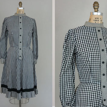 Vintage 50s mod dress granny ruffle ring collar medium vintage dress striped plaid print button down black + white 1950s m