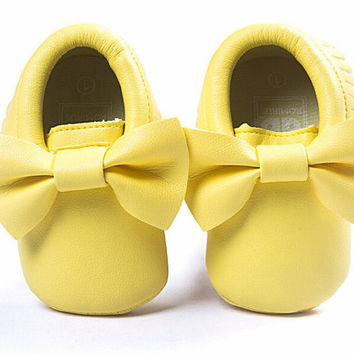 Light Yellow Moccasins, Baby Moccasins, Toddler Bow Moccasins, Yellow Baby Shoes, Vegan Soft Sole 3-18 months Infant Shoes Gift Toddler Gold