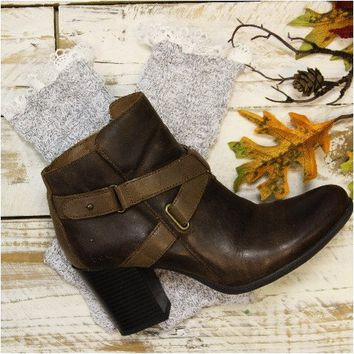 MISS TORI lace boot socks - granite