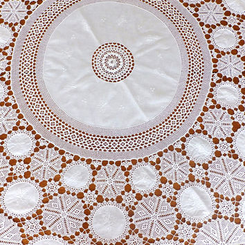 "Vintage Embroidered Lace Table Cloth - Cotton Tablecloth - Crochet Table Cover - Large Circular Table Cloth - Tablecloth - 68"" diameter"