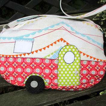Purse In The Shape Of A Camper , Novelty Shoulder Bag , Retro Camper Purse