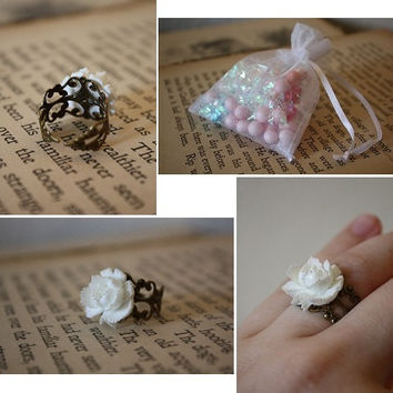 Snow White Rose Ring