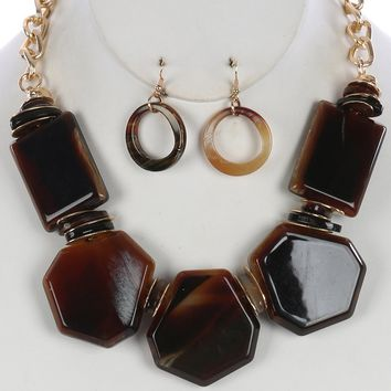 Brown Turtoise Lucite Stone Chunky Bib Necklace And Earring Set