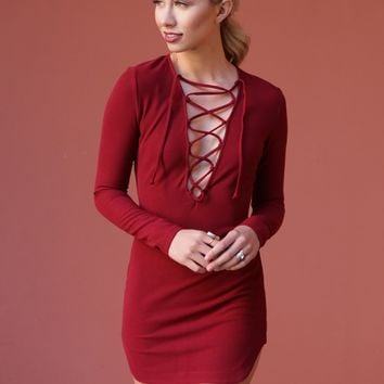 West Coast Wardrobe  Vixen Lace Up Body Con Dress in Wine