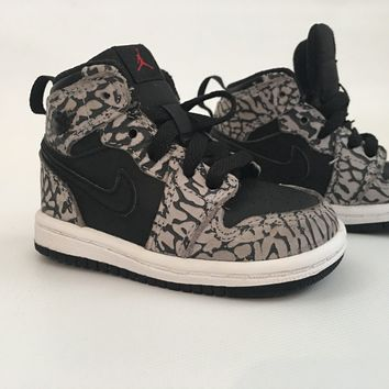 Air Jordan 1 Toddler Black and White Mid 4c