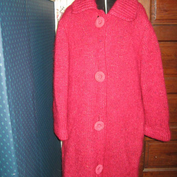 vintage   pink mohair    coat w chunky buttons