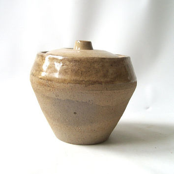 vintage pottery jar with lid 1980's handmade handcrafted container decorative home decor retro modern rustic neutral natural tan clay fini