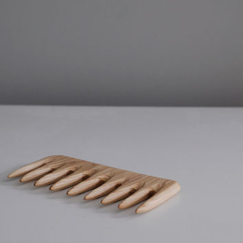 CAINNON WIDE TOOTH COMB