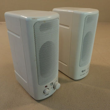 QIC Desktop Multimedia Speaker System Gray Model 8860 -- Used