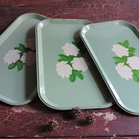 Rustic Country Cottage Lap Trays, Mid Century TV Trays, Set of  Three Shabby Chic Vintage Serving Trays, Home Decor Indoor Outdoor Trays