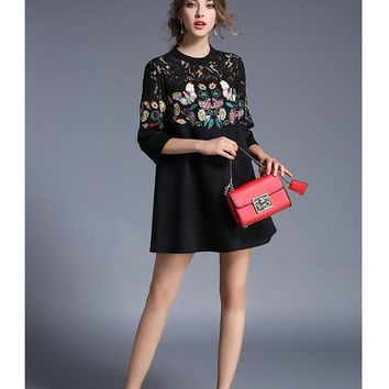 2019 New Black Women Luxury Embroidery Butterfly Half Sleeve Christmas Party Dress Autumn Winter Spring Lace Patchwork Straight Dresses