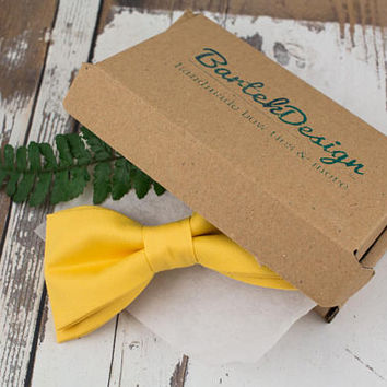 Yellow Bow Tie for Men Pre Tied Bow Tie Yellow Mens Bow Tie Handmade Bow Tie Men in Yellow Gift for Men Gift for Husband Mens Bow Ties