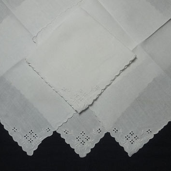 Set of 4 Vintage Handkerchief Linen White Lunch, Tea, or Bridge Napkins with Eyelet Cut Work & Embroidered Flowers and Scalloped Edges