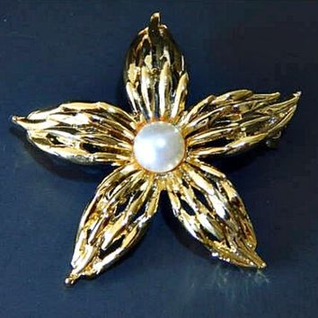 Star Shape Flower Brooch with White Pearl Cut Out Petals in Gold Tone