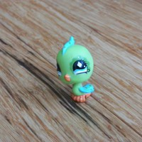 LPS #472 Green Parakeet Aqua Blue Diamond Eyes Blue Wings and Tail