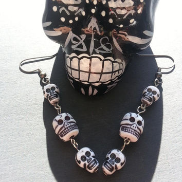 Gothic Skull Earrings, Dangle Rock and Roll, Halloween Jewelry, Day of the Dead Día de Muertos Jewelry, Voodoo Tribal, Novelty Holiday