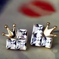 Beautiful Cordate crown earrings