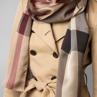 BURBERRY Italy Lightweight Check 100% Silk Scarf Smoked Trench RRP ?275